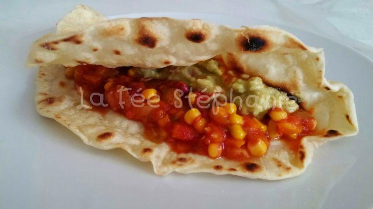 La Fée Stéphanie: Burritos: tortillas faites maison, sauce aux légumes et guacamole