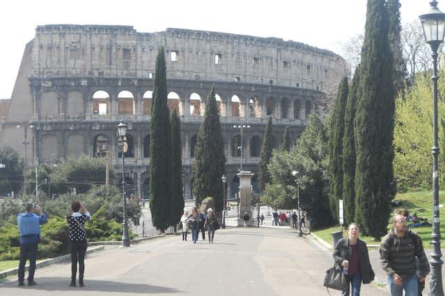 Las 30 mejores cosas que puedes hacer en Roma. Ante ti se encuentra la llave que te abrirá las puertas a la ciudad: una guía con los mejores lugares de la zona, creada por anfitriones locales de Airbnb