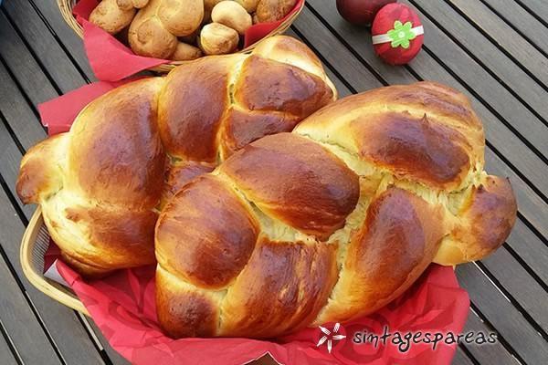 Vegan tsoureki with tahini and orange #cooklikegreeks #tsoureki #easterbread #vegan