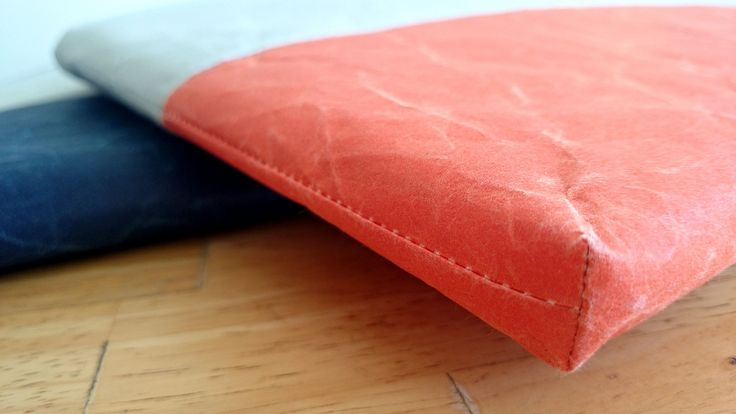 iPad Cushioned case (bi-colour: Darkblue x Gray / Orange x Gray) - made from Japanese WASHI paper - light yet strong - highly water-resistant and not easily torn