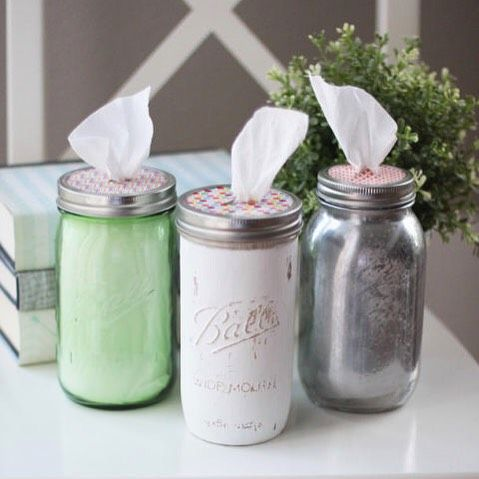 Who knew a tissue holder could be so cute? tutorial link in profile! (via @landeelu) #masonjars #diy #crafts
