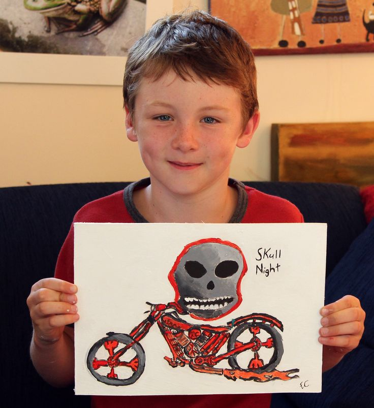 Finn with skull  Chidrens after school art lessons $25.00 per peson inmcluding materials Monday Tuesd and Wed from 3.30pm