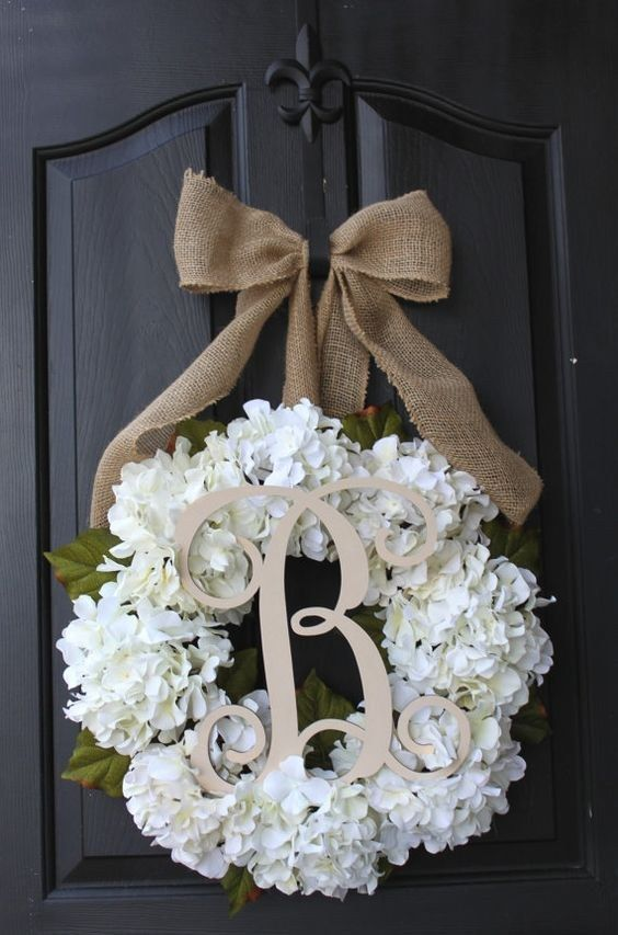 wedding wreath hydrangea wreath for door / http://www.himisspuff.com/wedding-wreaths-ideas/10/