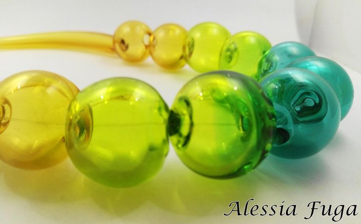 Blown glass beads necklace in shades of topaz and green di alessiafuga su Etsy