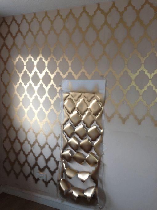 Gold geometrische Wand