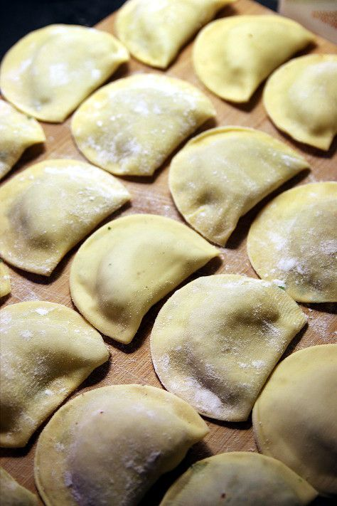 Ravioli maison aux langoustines et herbes aromatiques, émulsion au citron | La cuisine de Josie