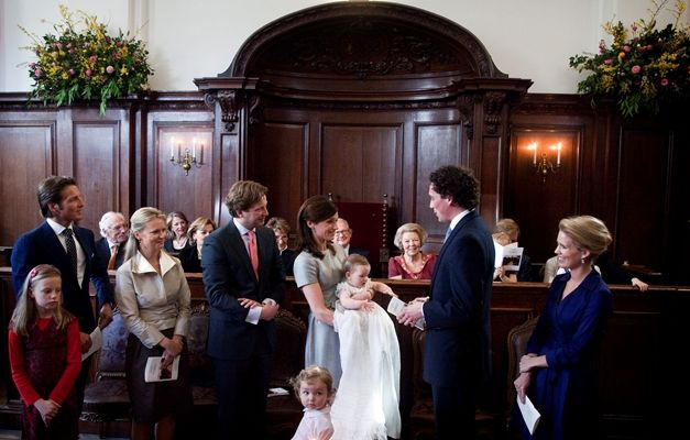 Apeldoorn, 28 maart 2010: Eliane Sophia Carolina van Vollenhoven, dochter van Prins Floris en Prinses Aimée, wordt gedoopt in de kapel van Paleis Het Loo © RVD/Capital Photos, foto: Frank van Beek
