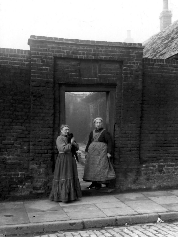 Hester Hawes Almshouses poplar 1920