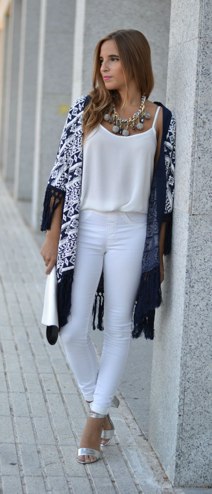 Blogger Kimono Style Outfit Total Look www.lareinadellowcost.com