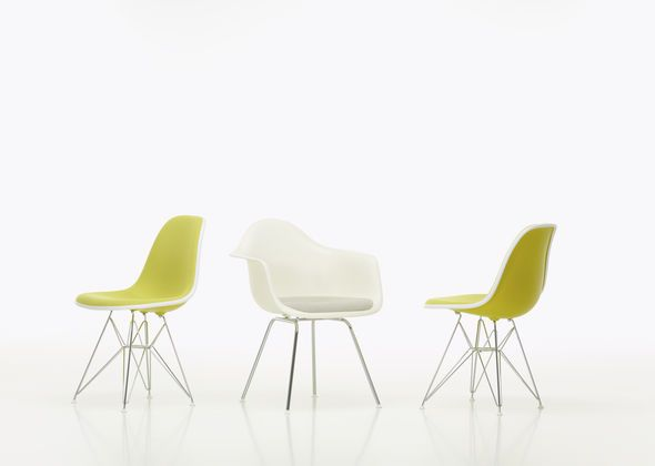 Eames Plastic Chair Group_yellow_web