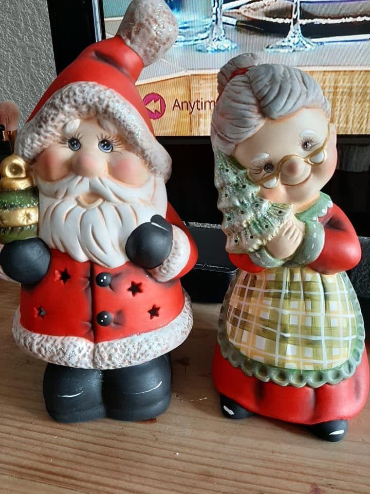 Pin De Midge Barton En Ceramic Bisque En 2020 Manualidades Navidenas Centros Navidad Cajas De Navidad