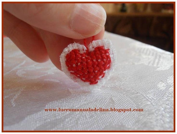 lucru manual adelina: Breloc inimioara etamina