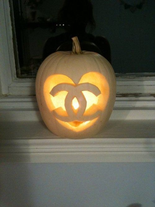 totally doing this next time i carve a pumpkin!