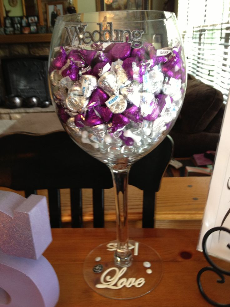 Guess how many kisses game | Shana's bridal shower ...