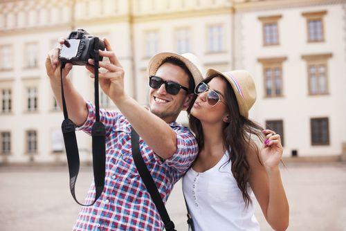Por más difícil que sea tomar la fotografía perfecta, en la actualidad con todos los avances tecnológicos y las herramientas para para hacerlo, no hay quien por lo menos no se tome una fotografía a...
