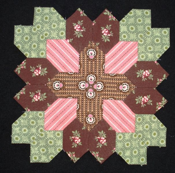 Lucy Boston block 30 by Muriel for the POTC Blog Along at Little Quilts