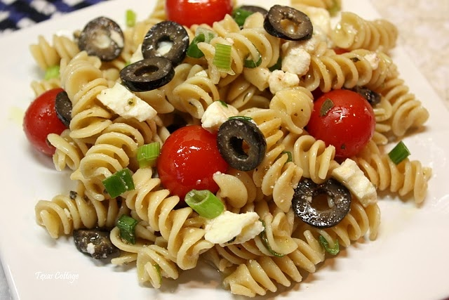 greek pasta salad: Side Dishes, Yummy Recipes, Yummy Food, Foods Recipes, Salad Recipe, Cottages, Food Drink, Greek Pasta Salads