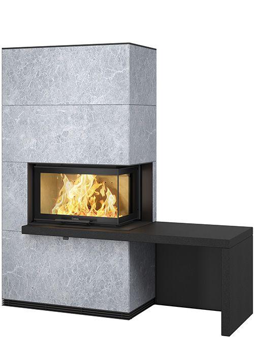 Med den vinklade glasluckan i Contura i40 får du ännu större möjligheter att skapa en eldstad som sticker ut och lyser upp. Beklädnaden i täljsten är naturligt värmelagrande och har en vacker naturlig mönstring. Finns i tre olika utföranden: Contura i41Ti täljsten Contura i41T i täljsten med svarta hyllor i granit Contura i41Ti täljsten med …