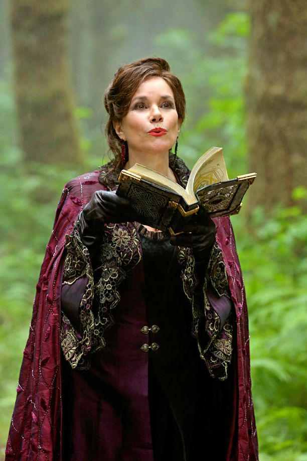 Barbara Hershey will return to Once Upon a Time for the upcoming 100th episode, EW has learned exclusively.