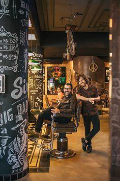 Com cervejas e jogos, barbearias são opção de presente para o Dia dos Pais                                                                                                                                                                                 Mais