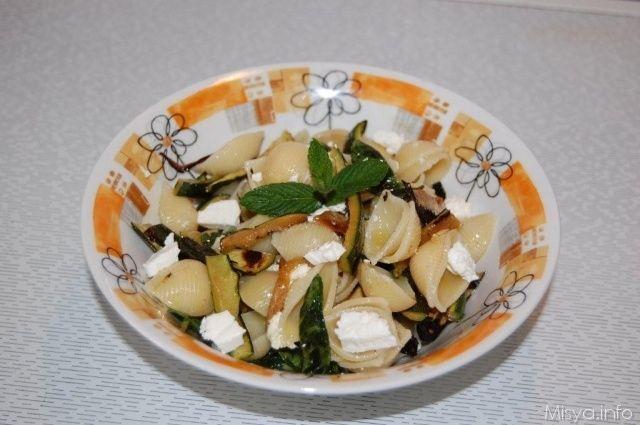 Insalata di pasta zucchine e menta