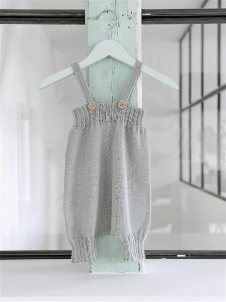 1504: Design 2 Kortbukse med seler #strikk #knit #alpakka
