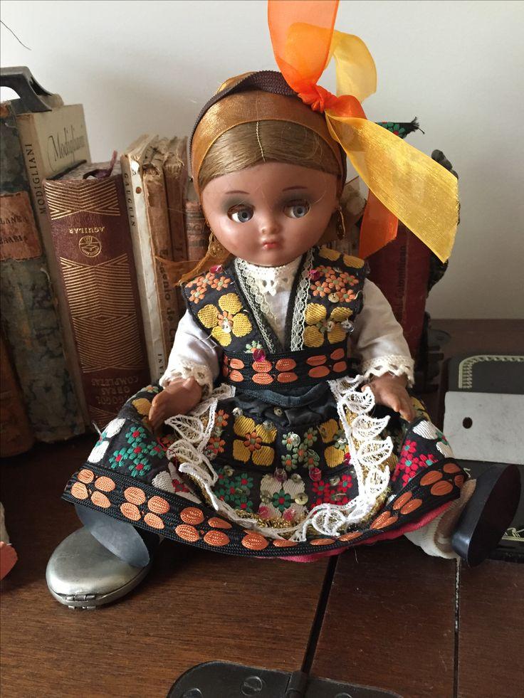 Muñeca antigua restaurada