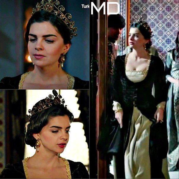 And so had Huricihan inherited all the dresses her mother liked and Mihrimah those she didn't. Call it a headcannon, if you want to.