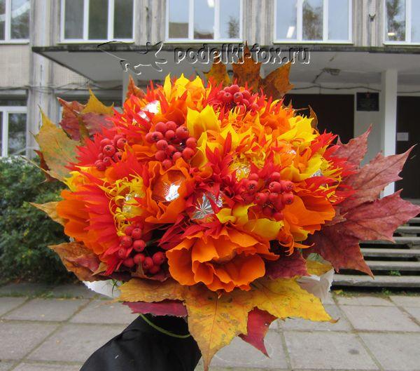 podelki-ko-dnyu-uchitelya-buket-iz-konfet25-podelki-fox.ru_.png 600×529 пикс