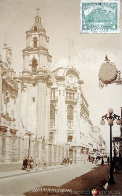 La Avenida Madero Por el Fotografo Hugo Brehme (1920-1940 )