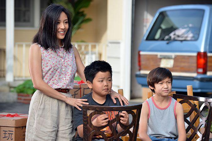 Fresh Off the Boat è una freschissima sitcom ambientata negli anni Novanta incentrata su una alquanto particolare famiglia asiatico-americana..... http://www.oggialcinema.net/fresh-off-the-boat/