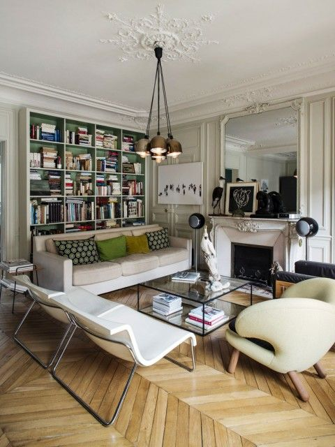 effortless mix of styles | via High-Impact Design ~ Cityhaüs Design \ background of shelves and messed up books.C