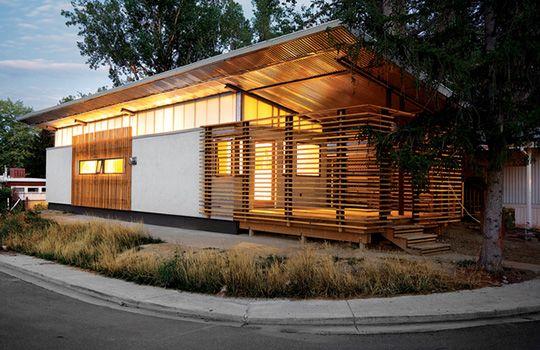 retrofit trailer house has the indoor/outdoor living concept