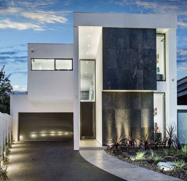 64 best fachadas modernas images on pinterest modern for Minimalist residential architecture