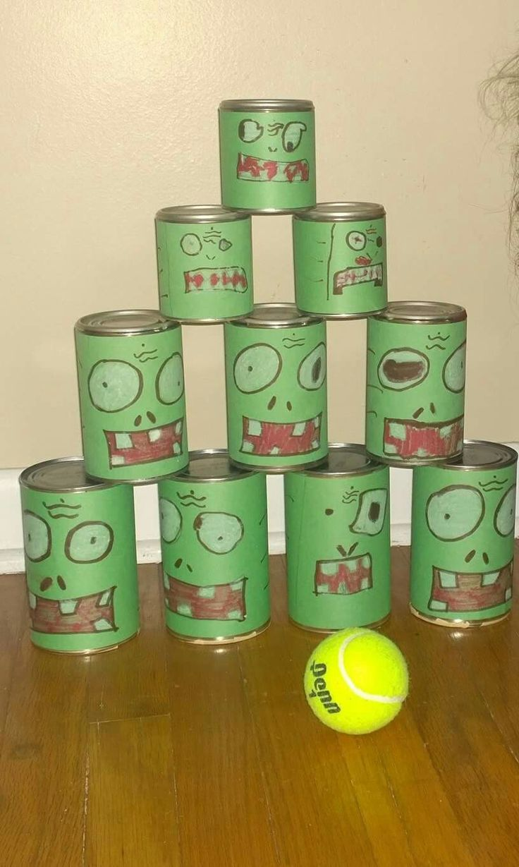 Plants vs Zombies tennis ball Pea Shooter game. Zombie bowling.