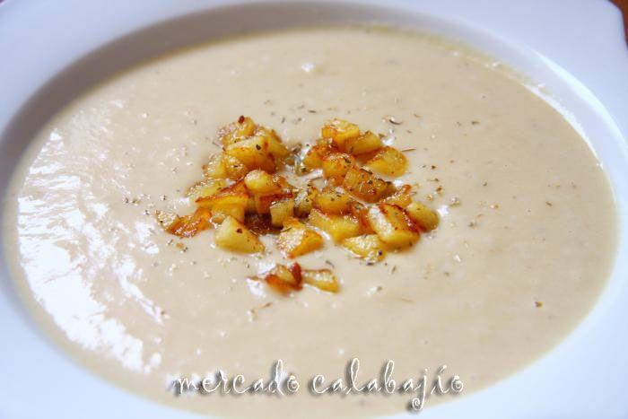 Crema de col verde, nueces y queso idiazábal - Mercado Calabajío