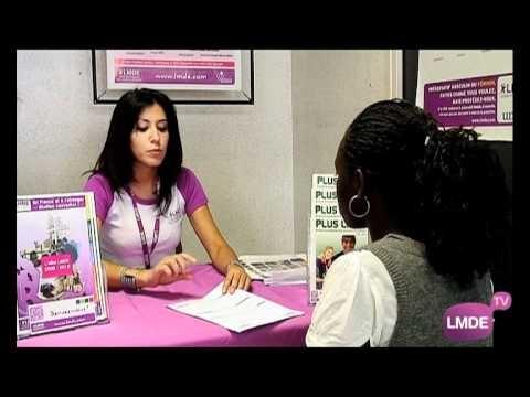 Vidéo de l'inscription d'une étudiante à la mutuelle LMDE.