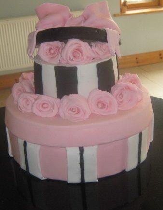 2 tier hat box cake