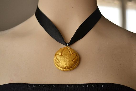 Maddie - Halloween 2014  Anna coronation Frozen necklace replica by AnyShapeNecklaces, €8.50