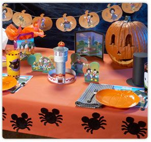 An array of PRINTABLE Mickey Mouse Halloween Decorations from DisneyChannel-Asia.com.  Just follow the link for full colour pdf and instructions.