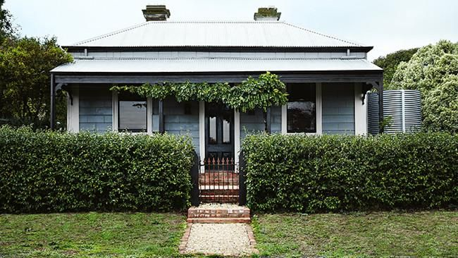 17 best images about austrailian homes things on for Cottage style homes melbourne