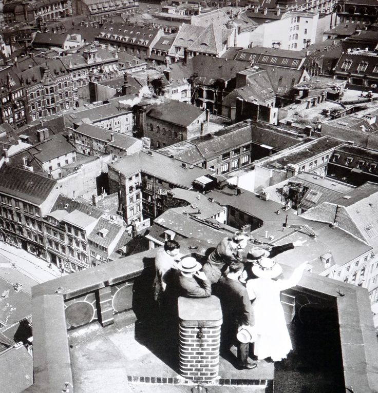 Blick ueber die Daecher des verdichteten Heilig-Geist-Viertel und des angrenzenden Marienviertel um 1900