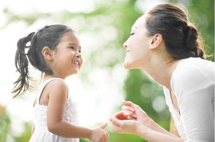 Chế độ ăn hàng ngày của trẻ thường phải đầy đủ 4 nhóm chất (bột, béo, đạm, rau). Tuy nhiên, đối với trẻ suy dinh dưỡng và chậm tăng cân, mẹ có thể tăng lượng dầu mỡ (nhóm chất béo)  trong bữa ăn của trẻ