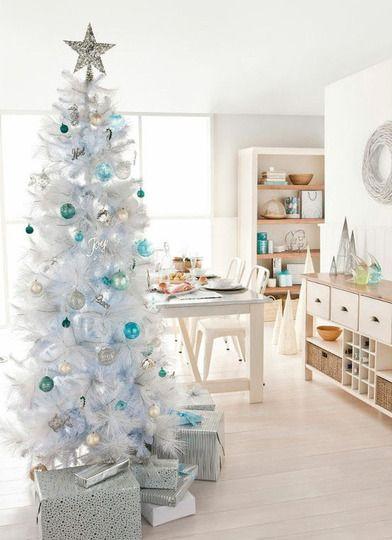 Retro Holiday: 10 Beautiful White Christmas Trees