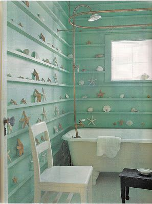 Love the idea of shell shelves along the wall!  You can keep all your findings from beach walks.: Bathroom Design, Sea Shells, Beaches Houses Bathroom, Beaches Theme, Bathroom Ideas, Beaches Bathroom, Beachhous, Seashells, Bathroom Shelves