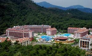 #Otel #Oteller #OtelRezervasyon - #Marmaris, #Muğla - Green Nature Resort and Spa Marmaris - http://www.hotelleriye.com/mugla/green-nature-resort-and-spa-marmaris -  Genel Özellikler Bar, 24-Saat Açık Resepsiyon, Bahçe, Sigara İçilmeyen Odalar, Asansör, Emanet Kasası, Bagaj Muhafazası, Otelde Mağazalar Mevcut, Klima, Özel Plaj Alanı, Restoran (büfe), Snack Bar Otel Etkinlikleri Tenis Kortu, Sauna, Fitness Merkezi, Oyun Odası, Spa & Sağlık Merkezi, Masaj.