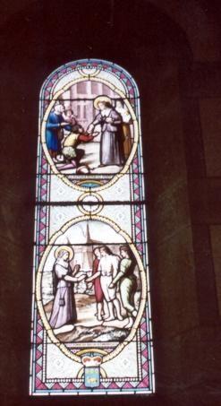 Jeanne Franqoise Frément de Chantal - ca 1900 (?). Glasschilderkunst Frankrijk, Bourgondië, Monthelon (bij Chantal), kerk Beneden: Zij geeft haar ring aan drie bedelaars Boven: Zij deelt brood uit aan de armen.