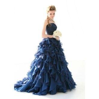 トゥー・レ・ドゥー(Tous Les Deux) 銀座店 **ドラマティックな存在感の鮮やかな濃紺ドレス**