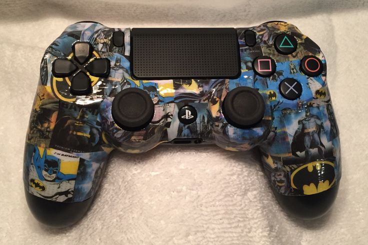 Batman ps4 controller by thebombshell67 on Etsy https://www.etsy.com/listing/470215673/batman-ps4-controller