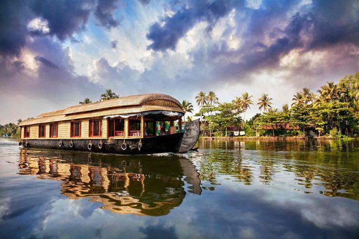 #Houseboat lungo le #backwaters del #Kerala #india #viaggi #travel #viaggiare